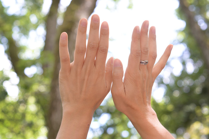 Mains au soleil, végataux