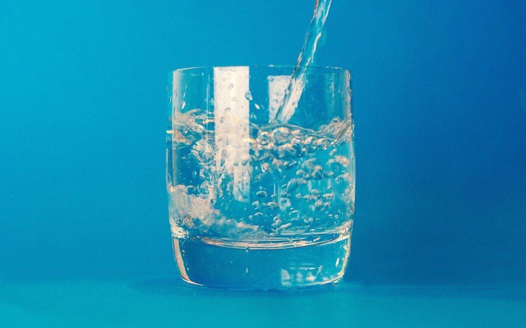 Verre eau pure